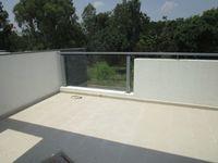13M5U00638: Balcony 2