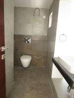 13M5U00638: Bathroom 3