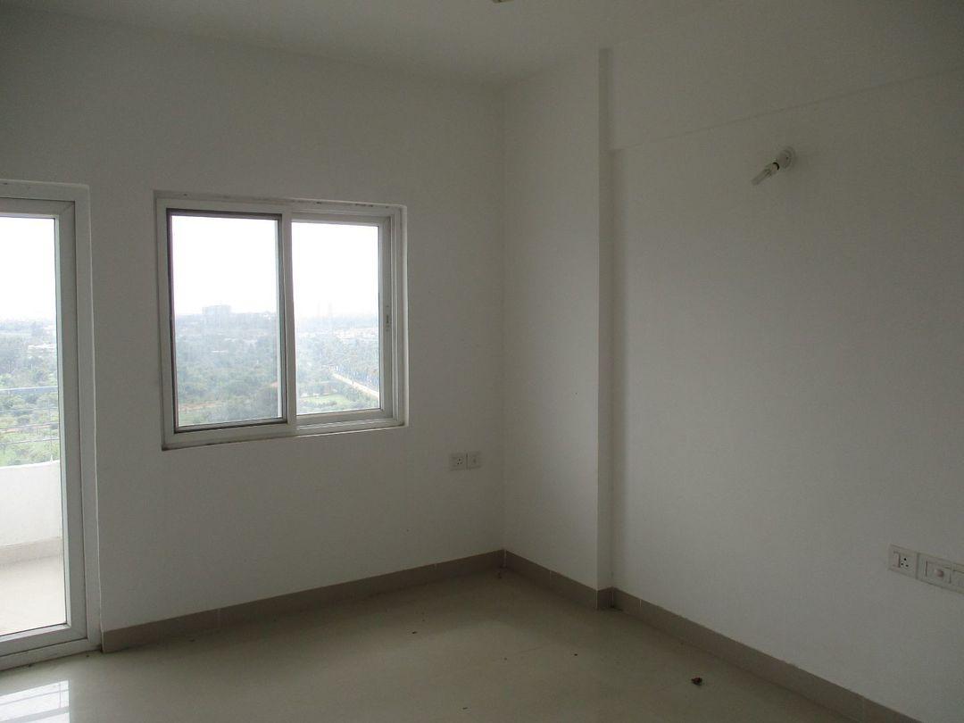 10J6U00316: Bedroom 1