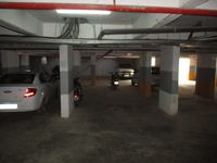 10J6U00316: Parking