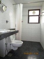 15S9U00937: Bathroom 3