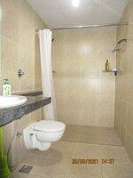 15S9U00937: Bathroom 2