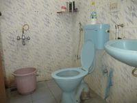 11NBU00383: Bathroom 2