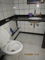 15A4U00310: Bathroom 1
