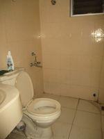 13J1U00260: Bathroom 2
