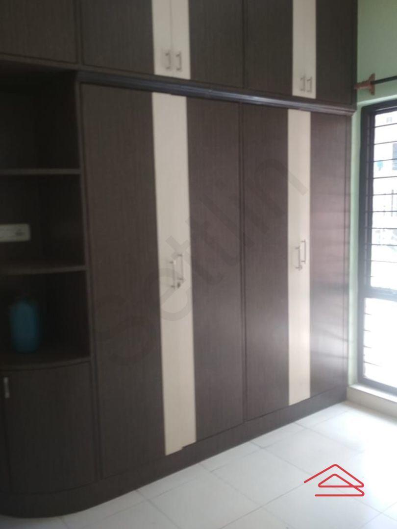 13M5U00402: Bedroom 1