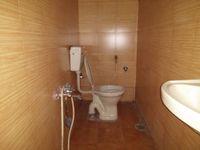 11S9U00379: Bathroom 3