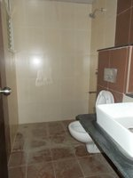 14F2U00212: Bathroom 1