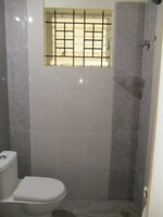 15S9U00039: Bathroom 2