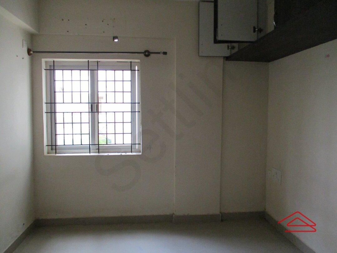 15S9U00039: Bedroom 1