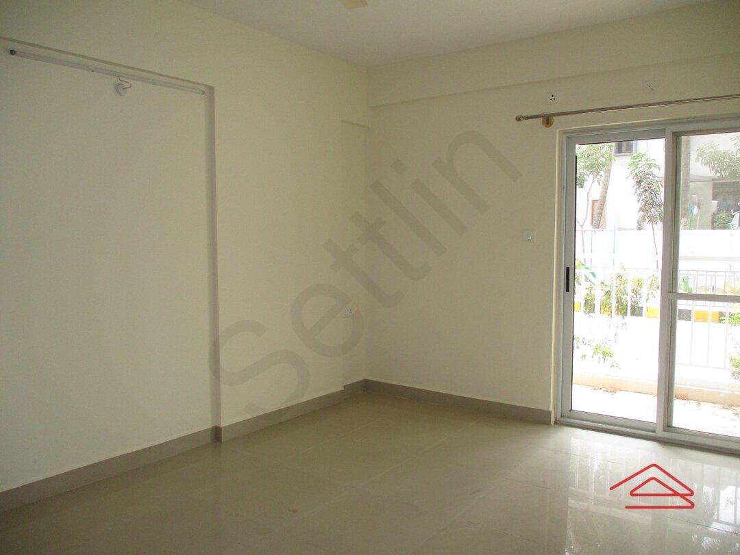 15M3U00301: Bedroom 1