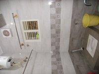 14M3U00091: bathrooms 2
