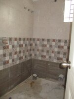 14OAU00165: Bathroom 2