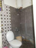 10J6U00587: Bathroom 1
