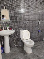 15J1U00536: Bathroom 2