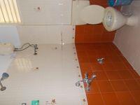 11DCU00244: Bathroom 2
