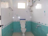 11DCU00244: Bathroom 3