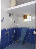 13NBU00353: Bathroom 1