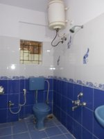 13NBU00353: Bathroom 2