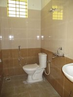 14F2U00008: Bathroom 2