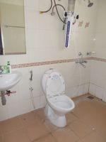 13F2U00036: Bathroom 1