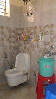 13NBU00196: Bathroom 2