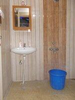 15F2U00238: Bathroom 1