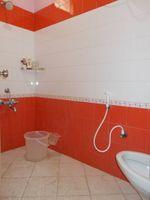 13M3U00124: Bathroom 3