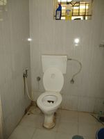 13F2U00389: Bathroom 2