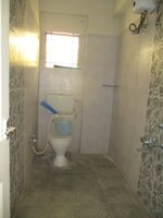 15A4U00407: Bathroom 2