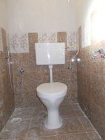 13J7U00085: Bathroom 1