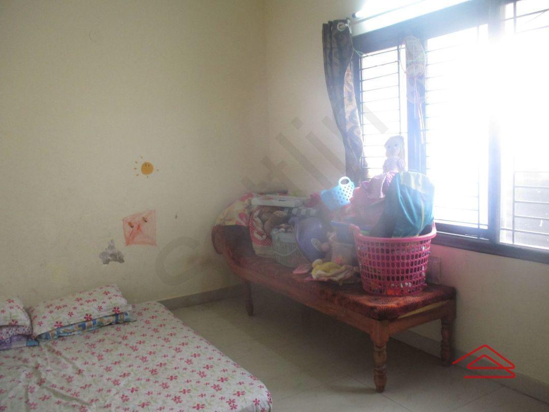 13M5U00783: Bedroom 1