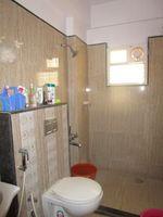 13J6U00470: Bathroom 2