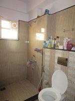 13J6U00470: Bathroom 1