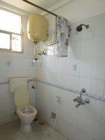 15F2U00080: Bathroom 1