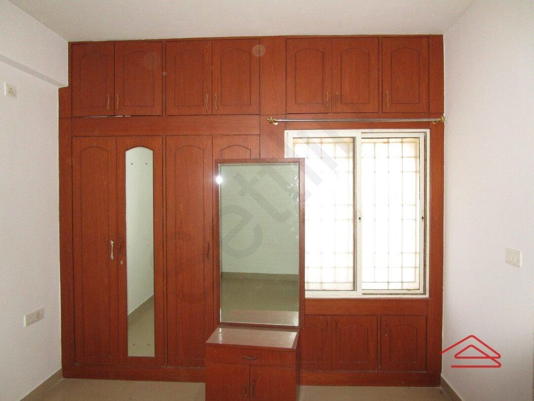 15F2U00080: Bedroom 1