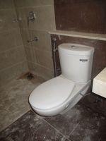 10A8U00329: Bathroom 1