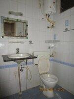 15A4U00076: Bathroom 1