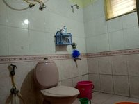 14F2U00498: Bathroom 2