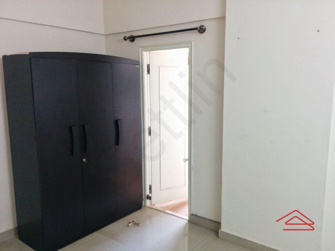 10J7U00056: Bedroom 1