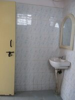 15J7U00533: Bathroom 1