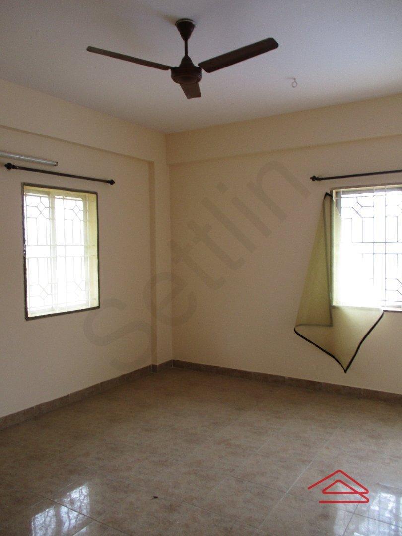 15J7U00533: Bedroom 1