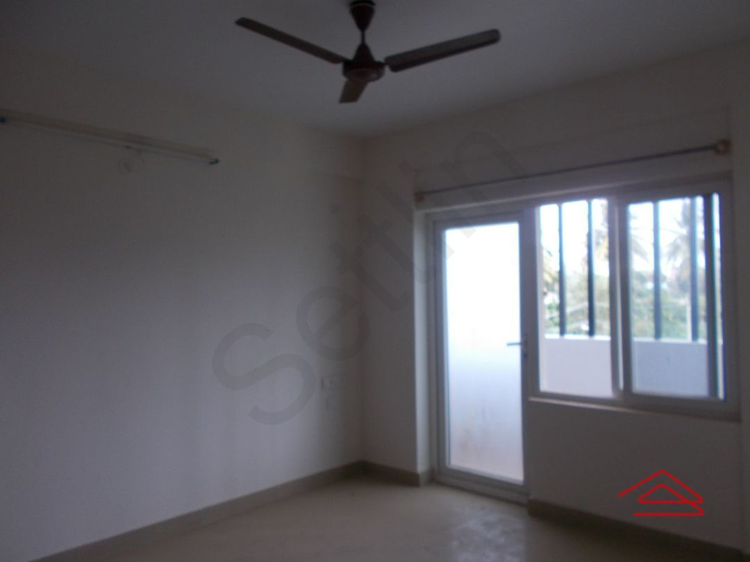 13J7U00426: Bedroom 1