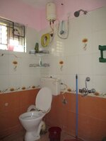 15A4U00342: Bathroom 1