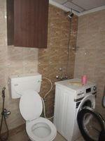 13J6U00130: Bathroom 3
