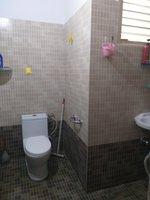 13J6U00025: Bathroom 2