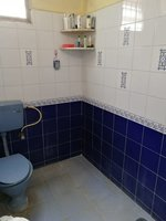13DCU00481: Bathroom 2