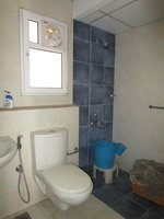 14J1U00454: Bathroom 2