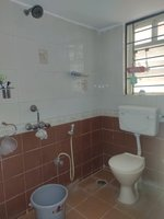 13OAU00228: Bathroom 1