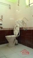 10NBU00433: Bathroom 1